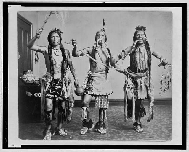 Змеиный индейский танец